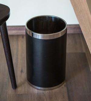 Corbeille à papier, revêtement en simili cuir