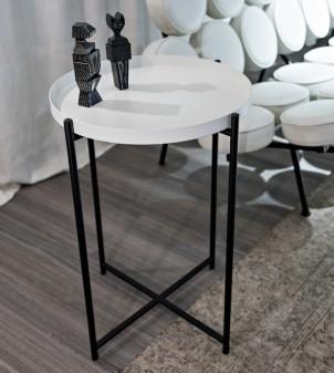 Table basse ronde avec plateau en bois