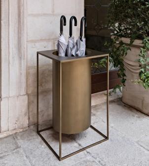 Porte-parapluies en fer au design moderne