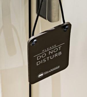 Pancarte Ne pas déranger en cuir