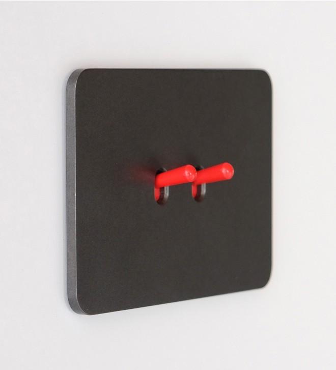 Plaque électrique ras de mur avec leviers