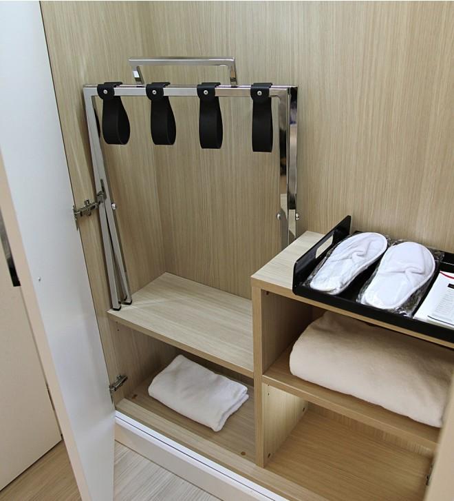 Porte-bagages de chambre avec dosseret