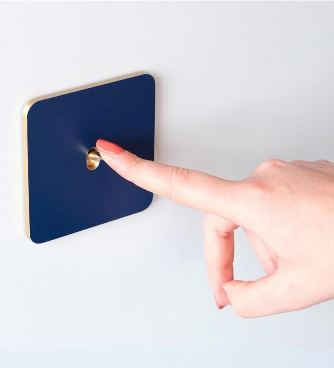 Plaque électrique avec interrupteur à levier