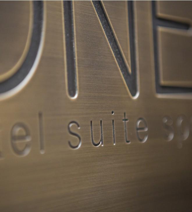 Plaques de porte, pictogrammes, signalétique pour hôtel SLOW