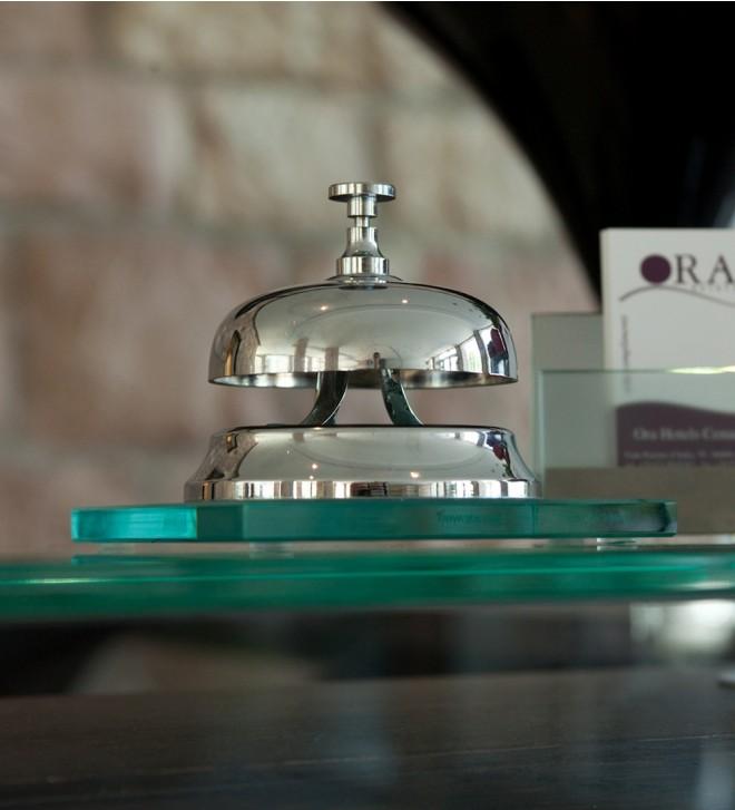 Sonnette de table avec support en verre